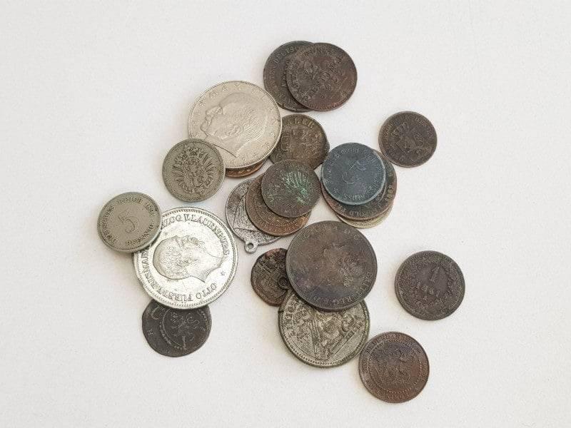 Loše slikane kovanice za otkup.